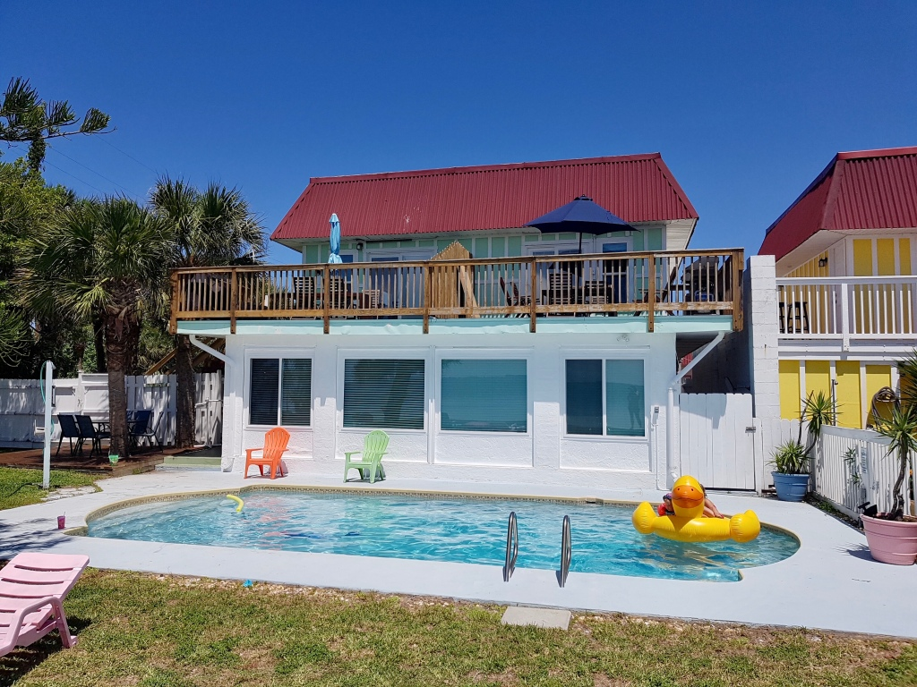 Dolphin Bay Vacation rental with pool